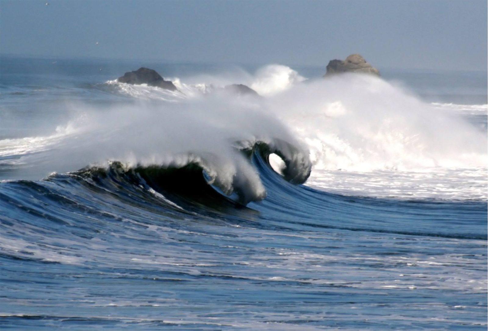 Image of Ocean Waves Crashing