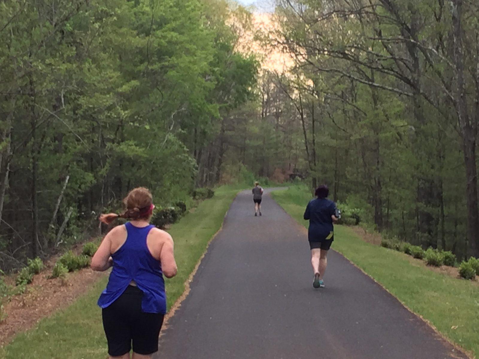 women runners outdoor